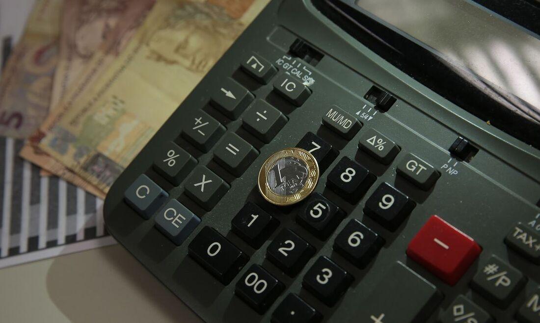 Dinheiro calculado   Marcello Casal (Ag. Brasil)