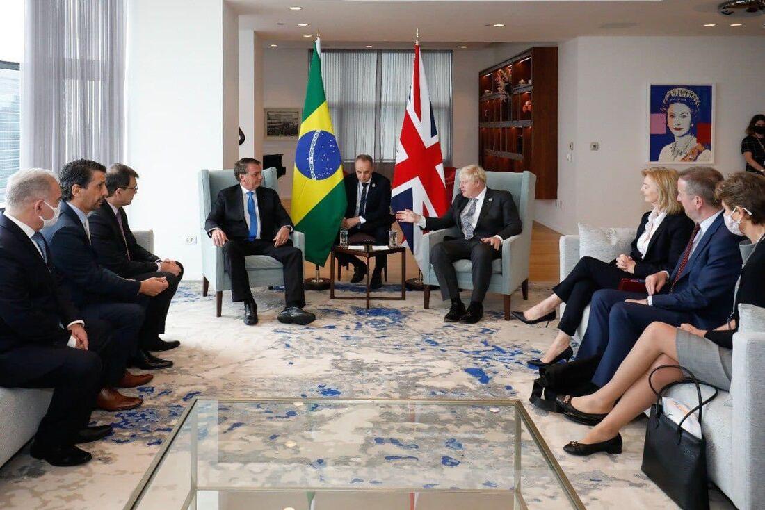 Comitiva de Bolsonaro durante encontro com primeiro-ministro britânico Boris Johnson