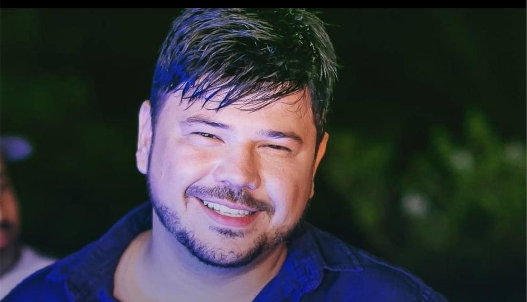 O cantor Giovanne Salles