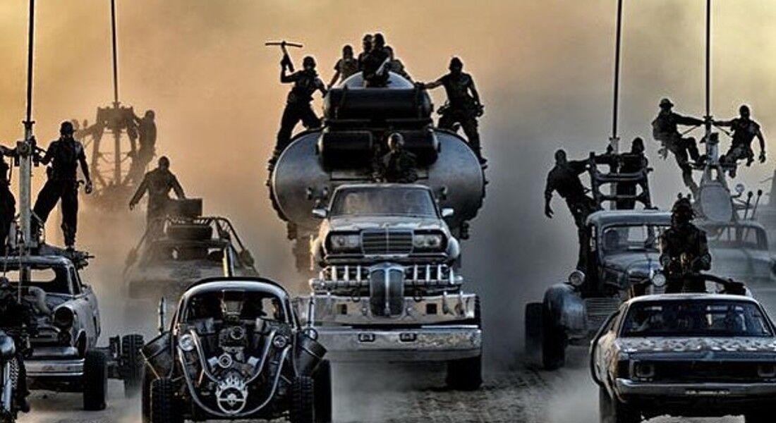 Os proprietários somente venderão os 13 veículos juntos, em um esforço para preservar parte da história do cinema