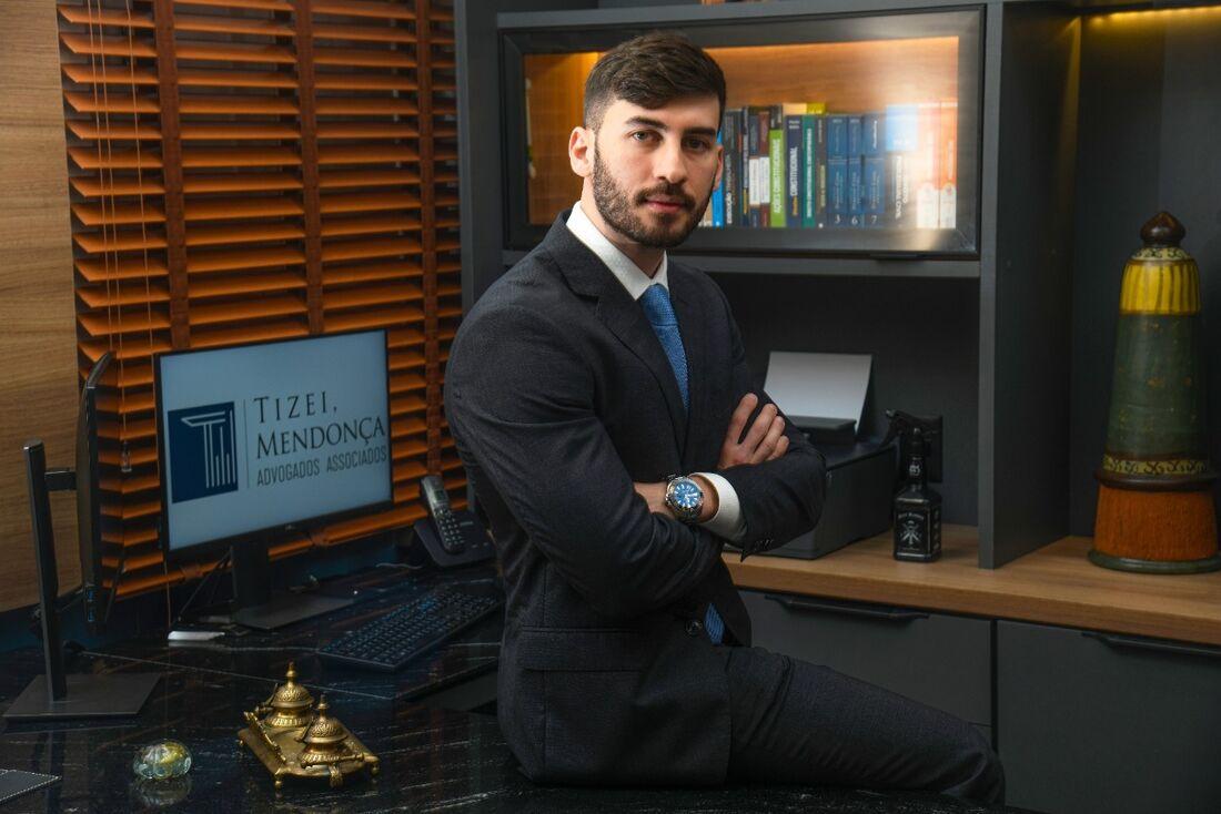 Especialista em Direito Imobiliário Amadeu Mendonça, sócio no escritório Tizei Mendonça Advogados Associados