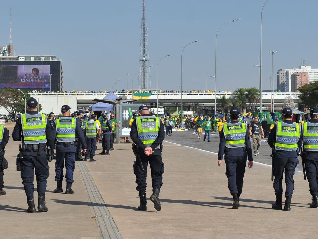 A Polícia Militar do Distrito Federal (PMDF) realiza segurança e bloqueio nas principais vias da Esplanada dos Ministérios