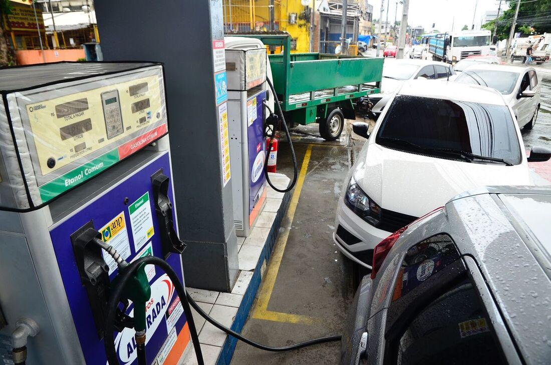 Movimentação intensa em postos de combustíveis na RMR após atos de caminhoneiros