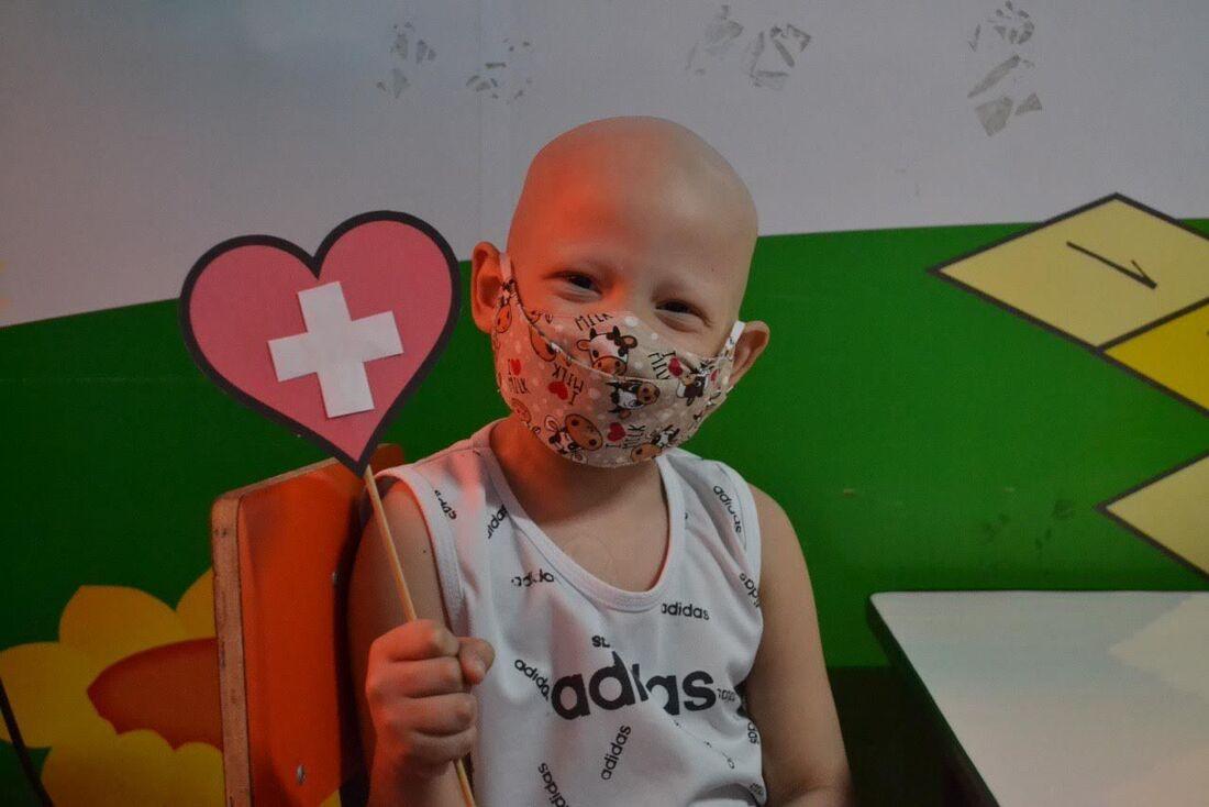 Campanha alerta para diagnóstico do câncer infanto-juvenil