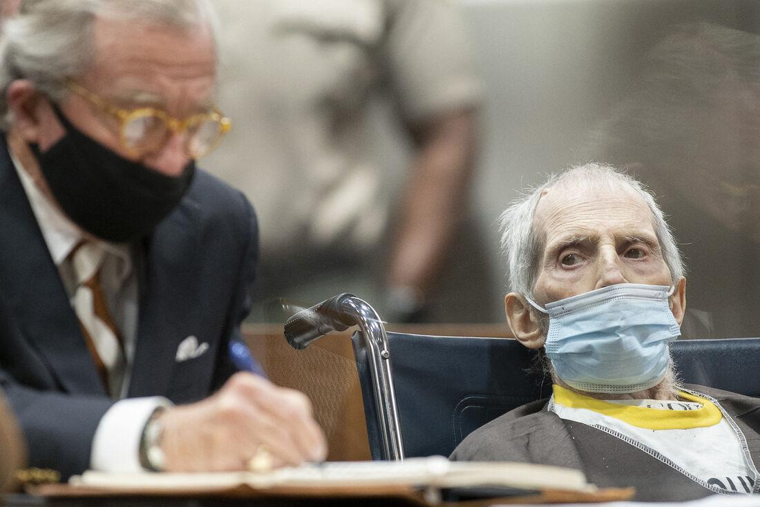 Magnata estadunidense, Robert Durst, é condenado à prisão perpétua por matar melhor amiga
