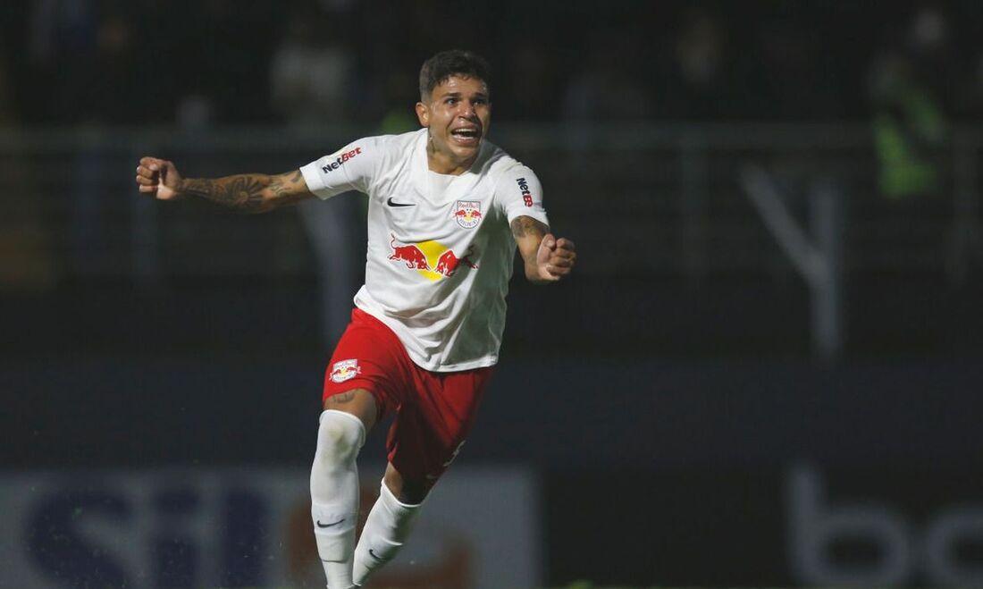 Jadsom, revelado pelo Sport, marcou seu primeiro gol como profissional