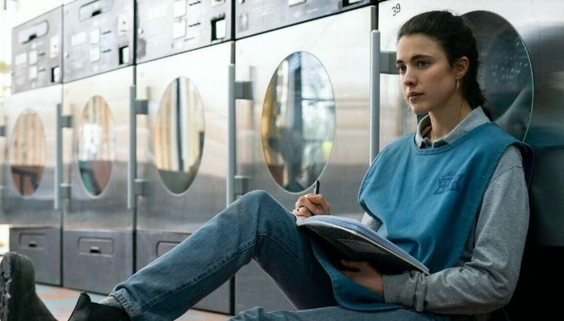 """Atriz Margaret Quale vive Alex na série """"Maid"""", da Netflix"""