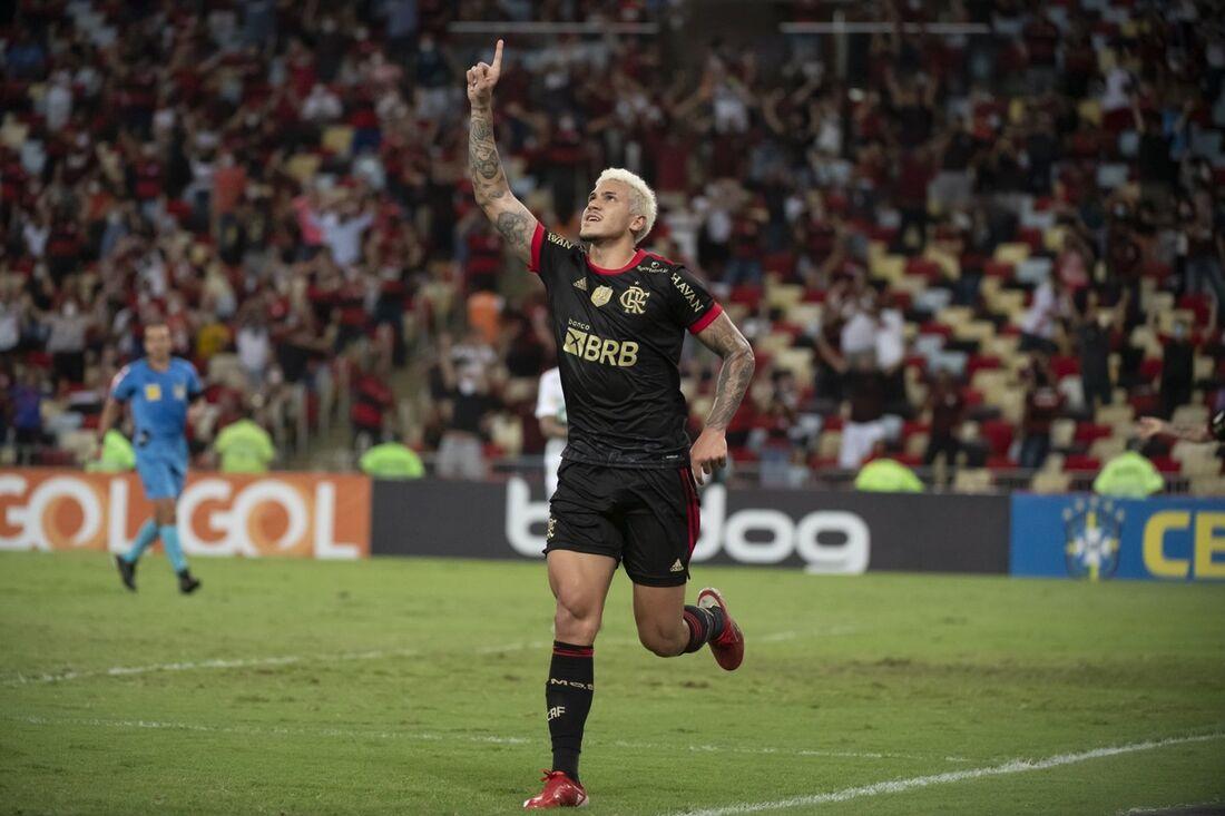 Pedro fez o segundo gol do Flamengo no jogo