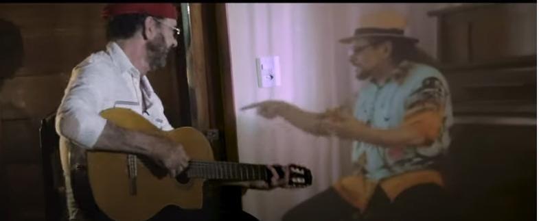 Nando Cordel e Geraldo Azevedo em cena do clipe