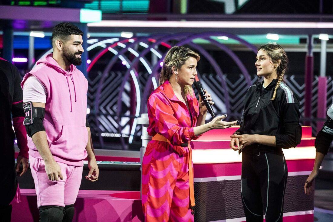 Fernanda Gentil comanda a atração na Globo