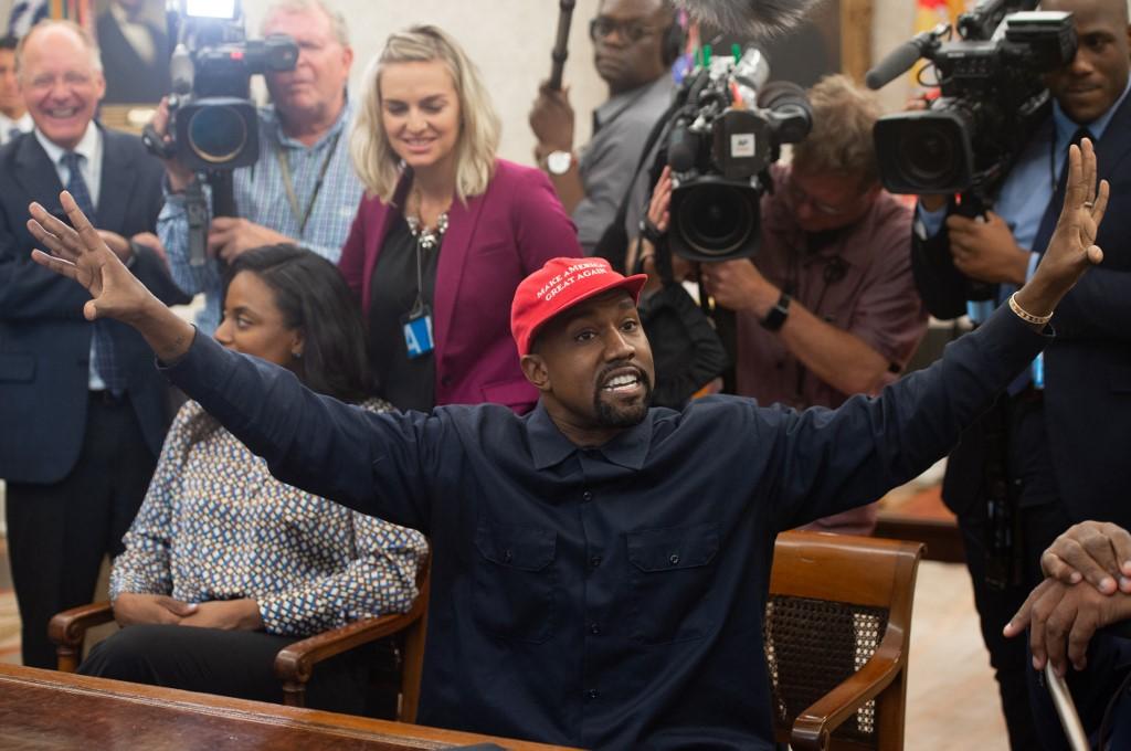 Kanye West Apaga Postagens Sobre Kim Kardashian Querer Interna Lo Folha Pe