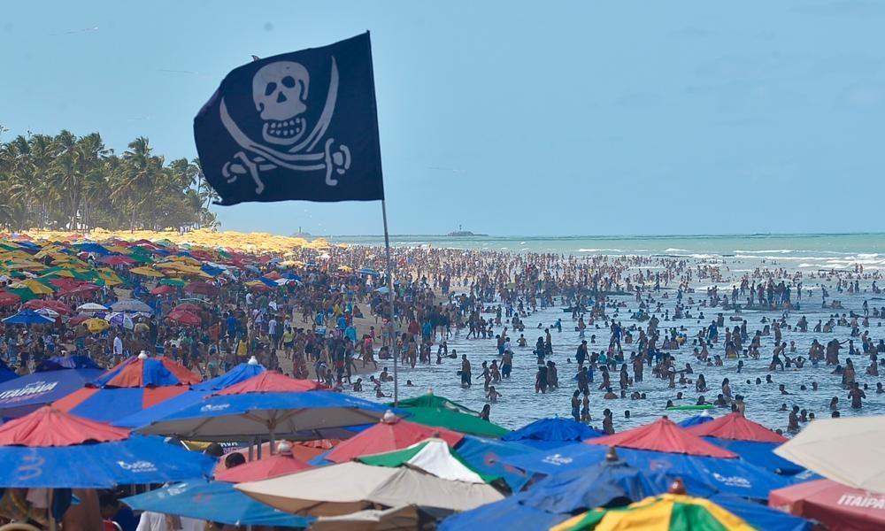 Movimentação na Praia de Boa Viagem no feriado da Indepêndencia