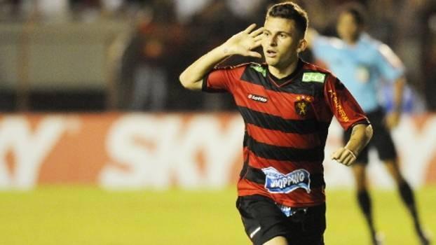 Emprestado pelo Inter, Lucas Lima jogou no Sport em 2013