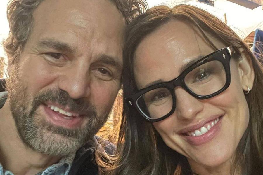 Jennifer Garner e Mark Ruffalo se encontram 17 anos após 'De Repente 30' -  Folha PE