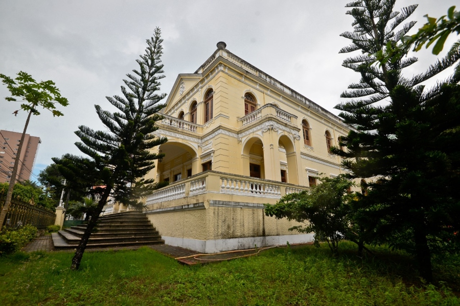 Palácio dos Manguinhos, nas Graças, já hospedou o Papa João Paulo 2º