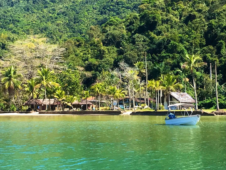 Chegada de barco ao Mamangué Beach House: Paz e Natureza!